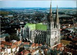 medium_28.Chartres.cathedrale.vueaerienne.jpg