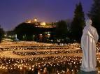 BXVI.ProcessionFlambeaux.Lourdes.13.09.08.jpeg